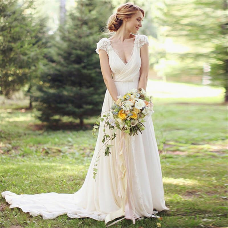 20 best country chic wedding dresses rustic western for Simple wedding dresses for small wedding