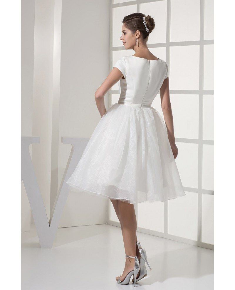 Fun Short Wedding Dresses Tulle With Sleeves Modest