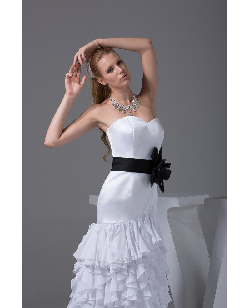Special White With Black Sweetheart Ruffles Wedding Dress