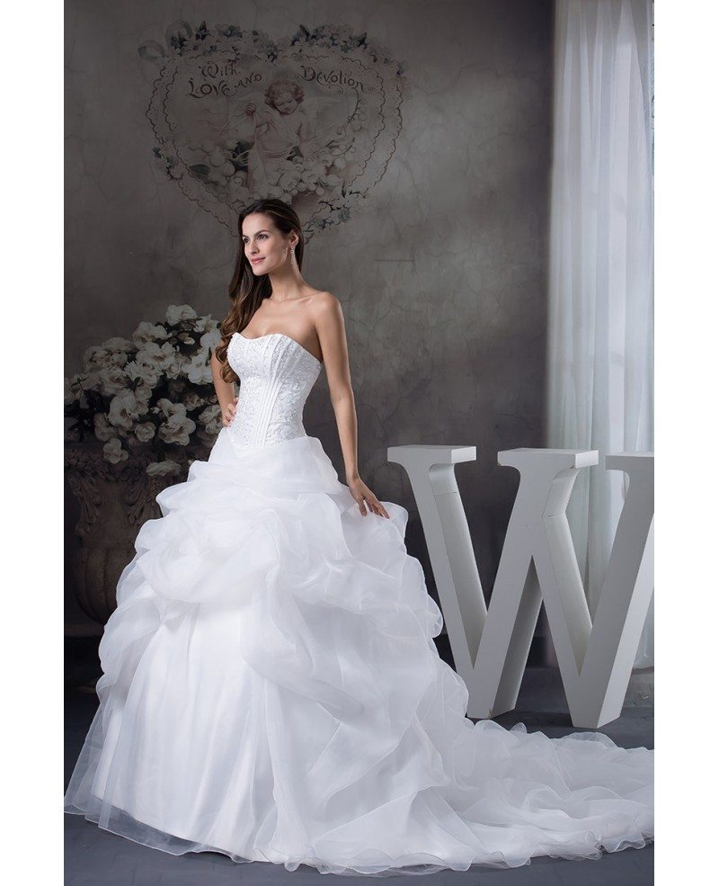 White sweetheart big ballgown ruffles wedding dress with for Big white wedding dresses