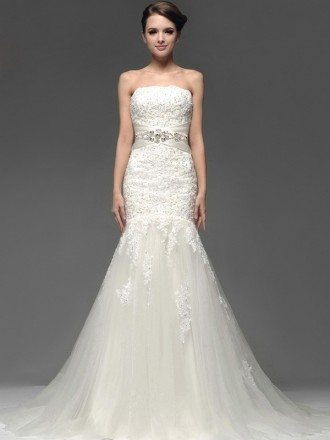 Stunning Strapless Custom Fitted Trumpet Lace Wedding Dress