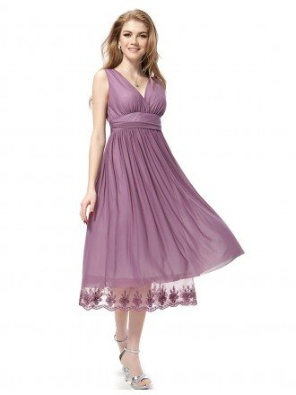 A-line V-neck Chiffon Knee-length Bridesmaid Dress With Lace