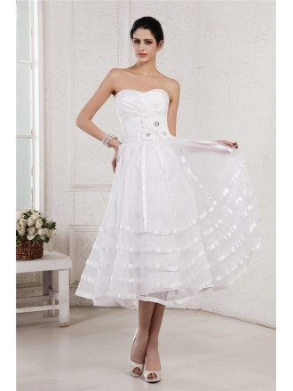 A-line Sweetheart Tea-length Tulle Wedding Dress With Flowers