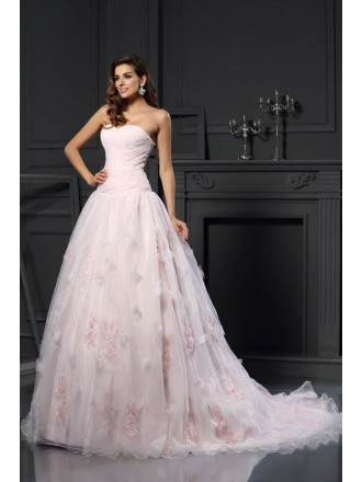 Ball Gown Sweetheart Court Train Tulle Wedding Dress with Appliques Lace