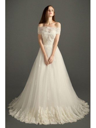 Romantic Ball-gown Sweetheart Court Train Tulle Wedding Dress With Appliques Lace