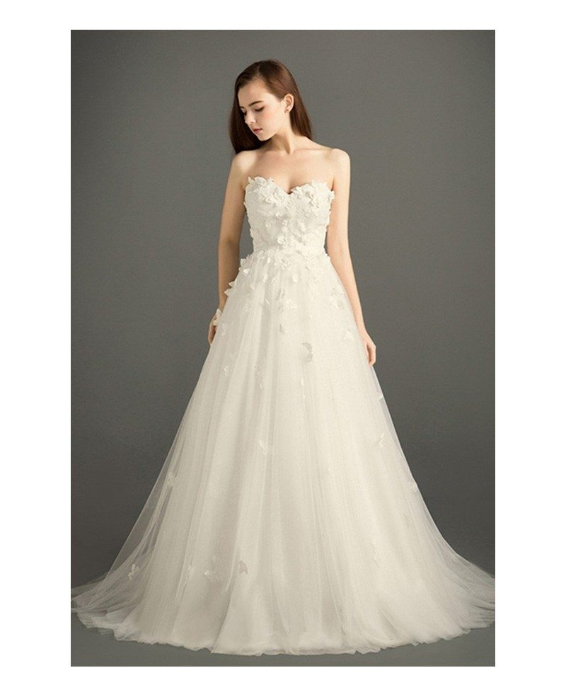 Romantic ball gown sweetheart court train tulle wedding for Dresses for court wedding
