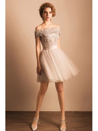 Grey A-line Off-the-shoulder Short Tulle Formal Dress With Appliques Lace