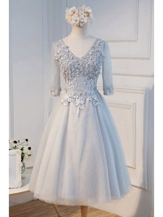 Vintage A-line V-neck Tea-length Tulle Homecoming Dress With Appliques Lace