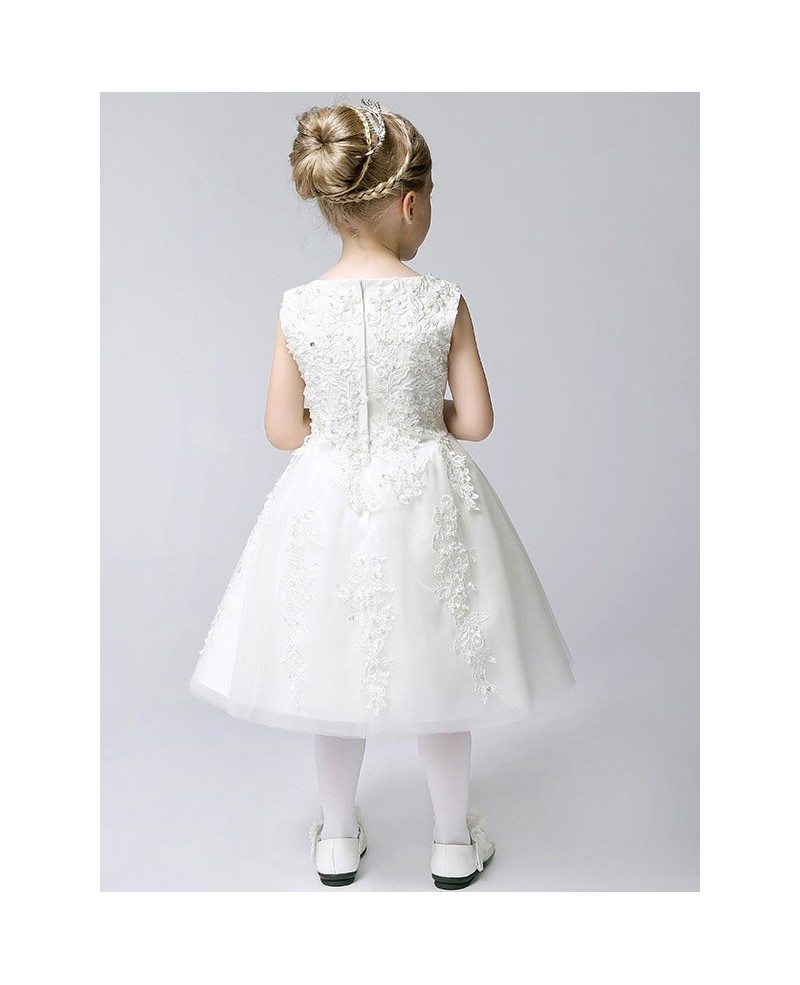 Typically, shopping for flower girl dresses involves driving from store to store and coaxing your flower girl through fitting after fitting. The result? One very tired flower girl and a trail of discarded flower girl gowns that weren't quite what you had in mind.