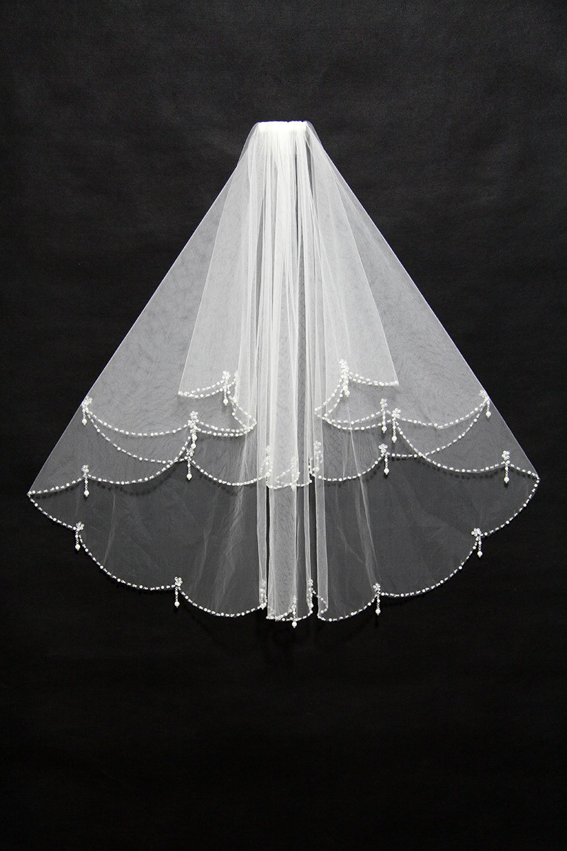 Elegant Short White Wedding Veil With Beading Bv020