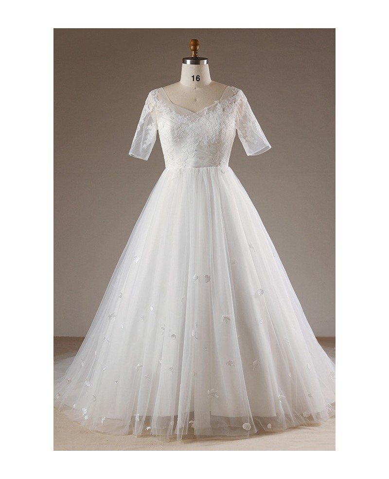 Plus size flowers lace long tulle beach wedding dress with for Wedding dresses for larger sizes