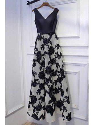 Unique Navy Blue V-neck Long Prom Dress With Applique Lace