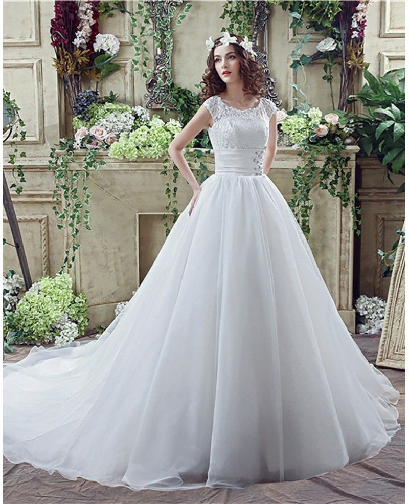 Modest Traditional Big Ballroom Wedding Dresses With Lace