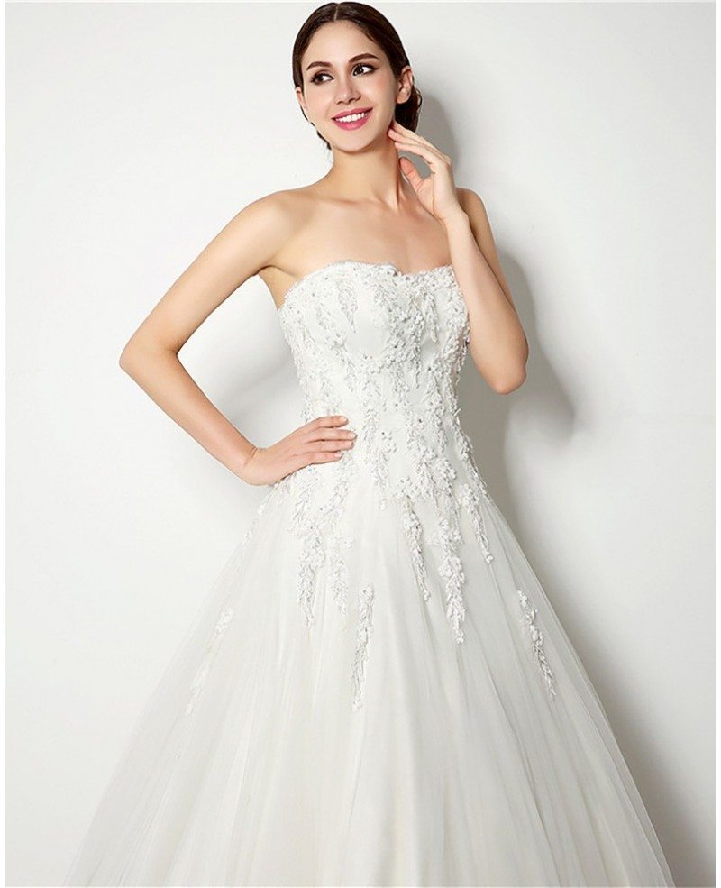 Inexpensive strapless lace ballroom bridal gown for for Www dhgate com wedding dresses