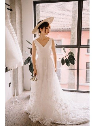 V-neck Tulle Lace Train Beach Wedding Dress For 2018 Summer