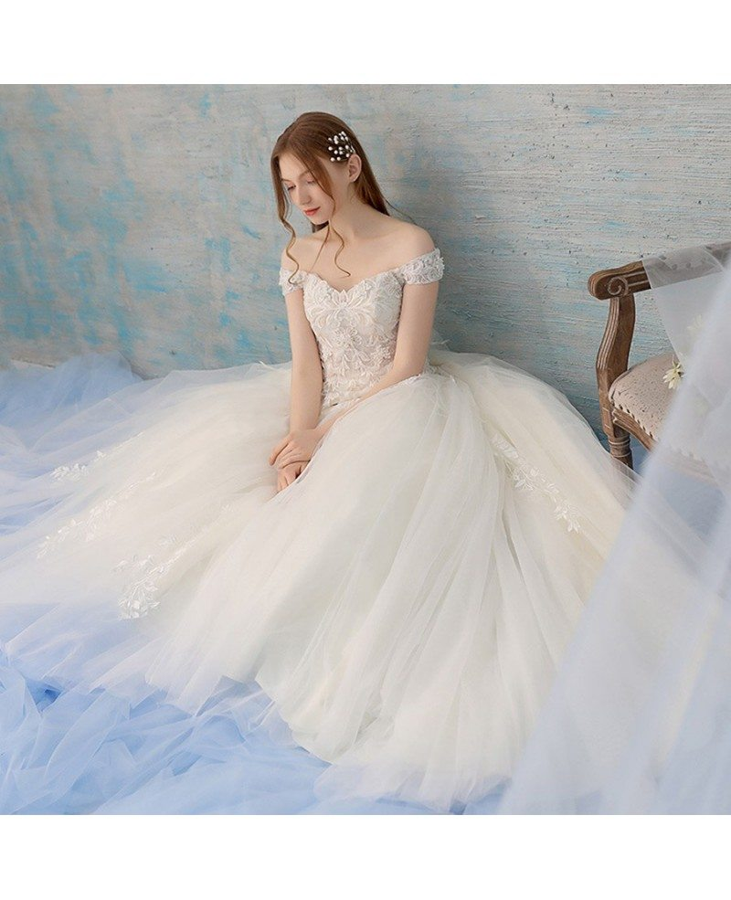 Pretty Wedding Dresses: Pretty Ballgown Tulle Wedding Dress With Lace And Off