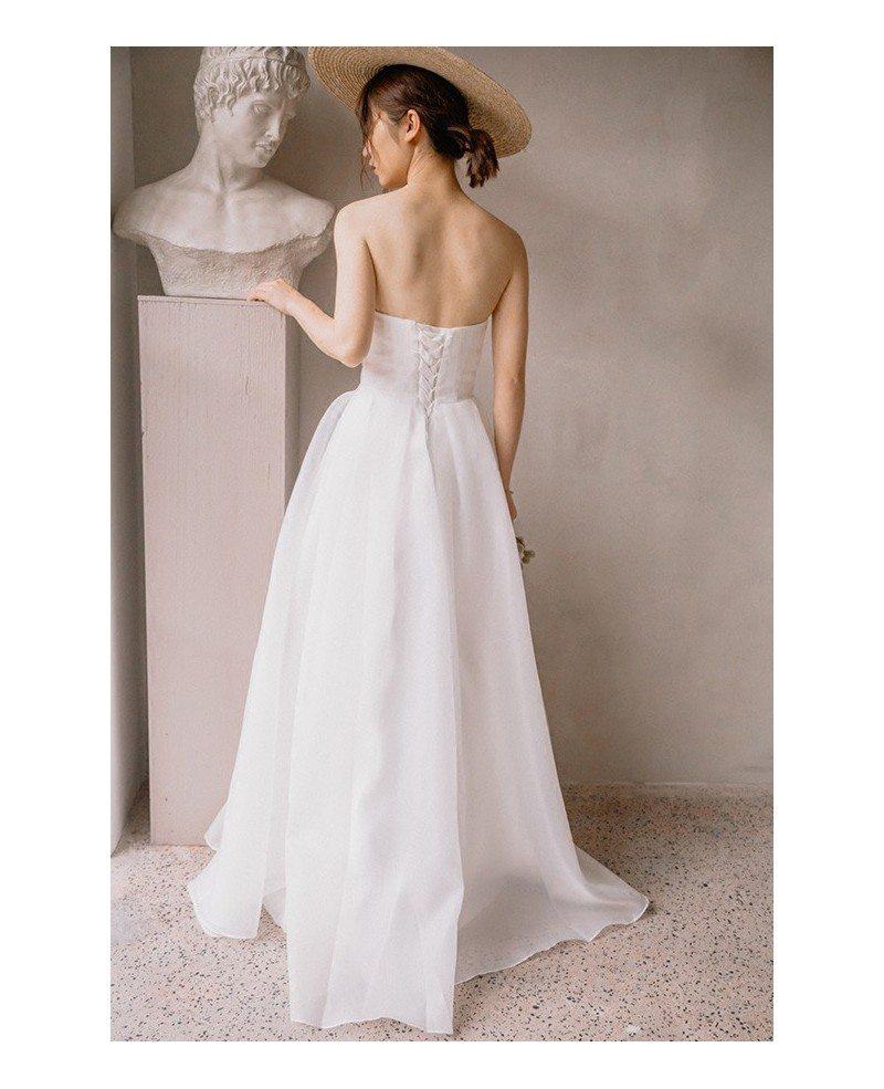 Simple Beach Wedding Ideas: Simple Chic Strapless White Beach Wedding Dress Outdoor