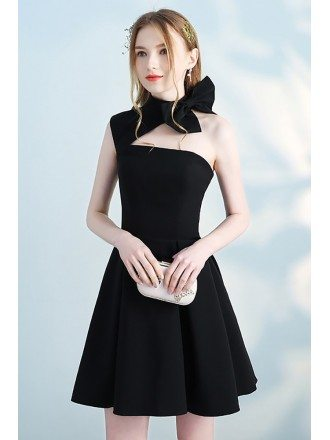Lovely Black Halter Short Homecoming Dress Open Back