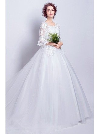 Inexpensive Vintage Ballroom Wedding Dress With Lace Flare Sleeves