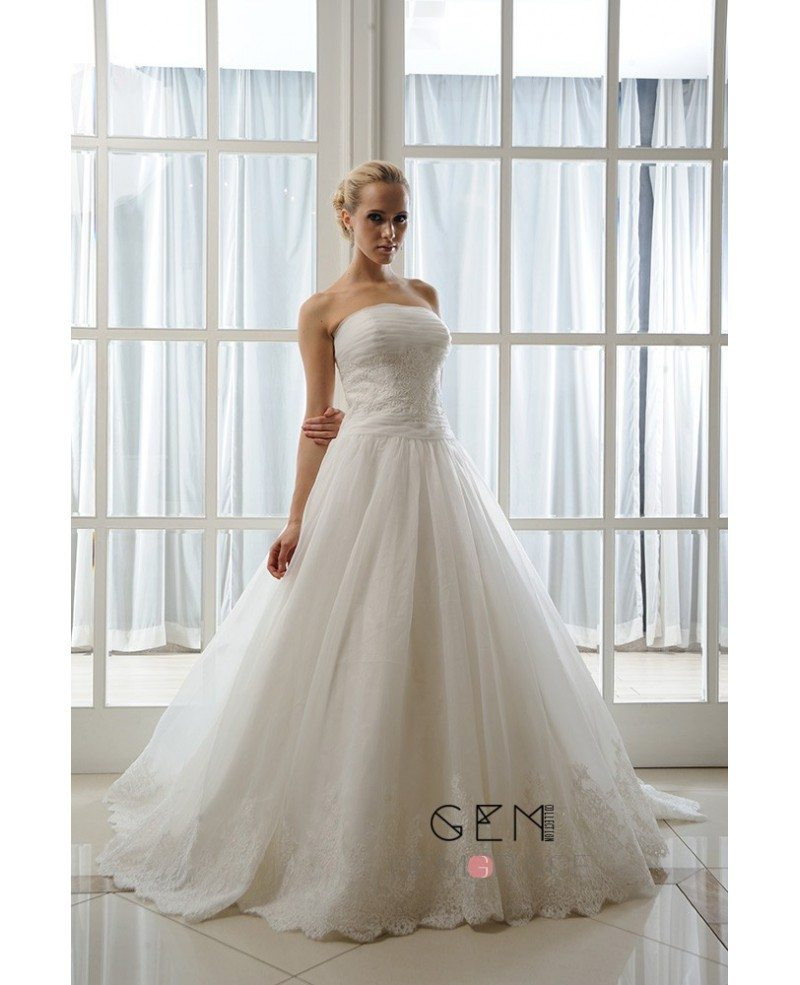 Wedding Gown Wraps: Ball-Gown Strapless Court Train Tulle Wedding Dress With
