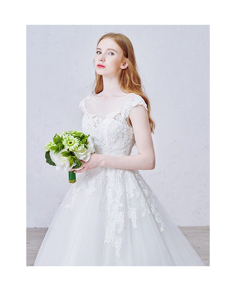 Ball Gown Lace Wedding Dresses: Romantic Ball-Gown Scoop Neck Sweep Train Tulle Wedding