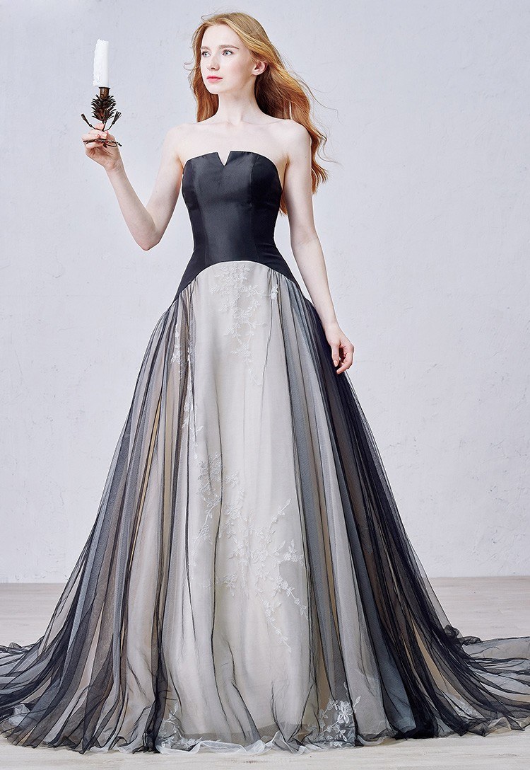 Unique Ball Gown Strapless Court Train Tulle Wedding Dress