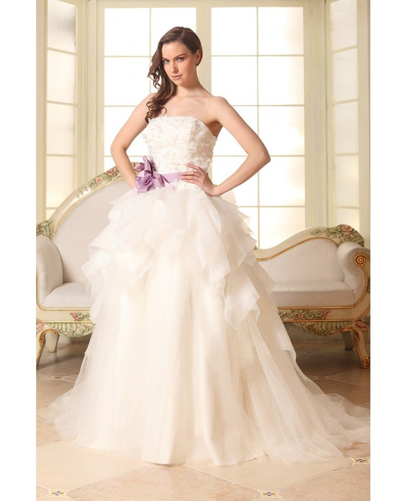 Tulle Ball Gown Wedding Dress: Ball-gown Strapless Court Train Tulle Wedding Dress With