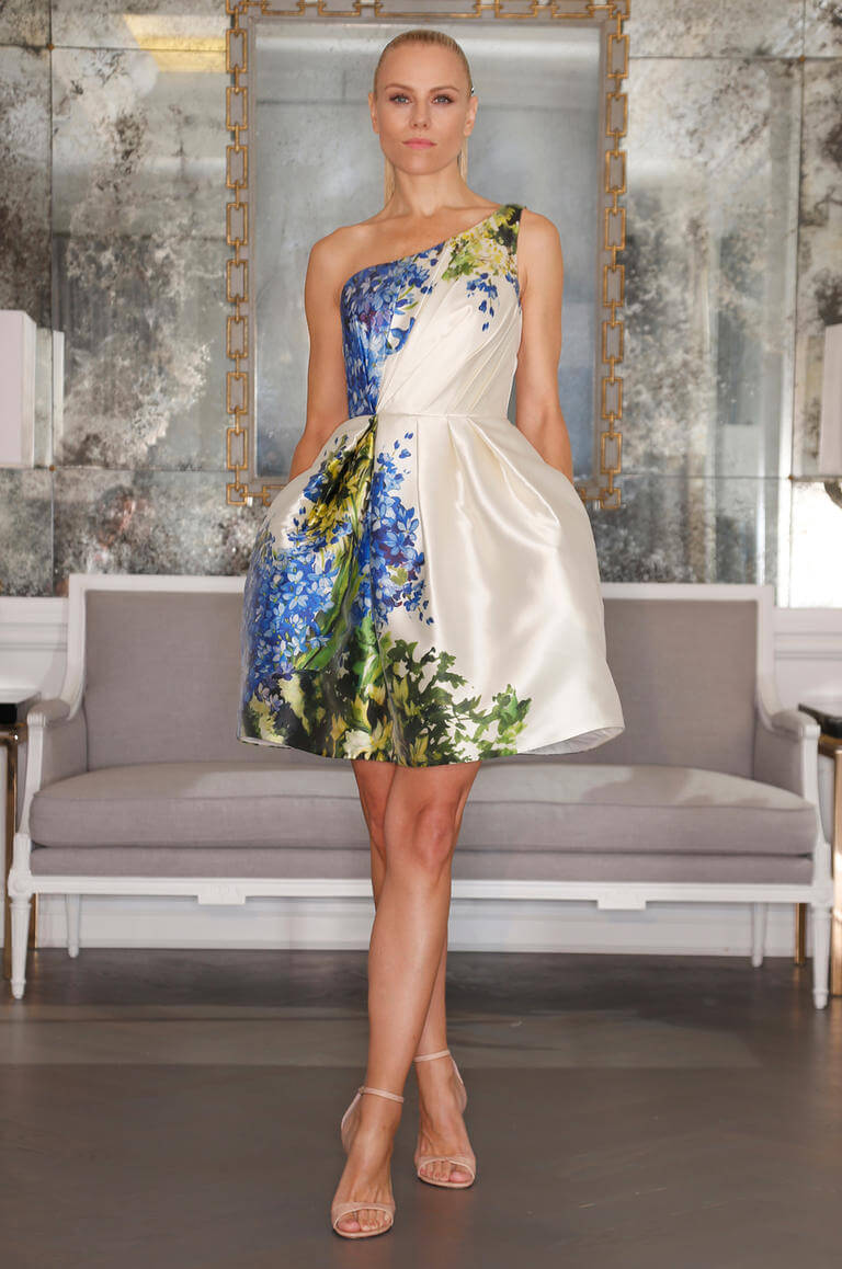 Attractive Short Wedding Dress For Renewal