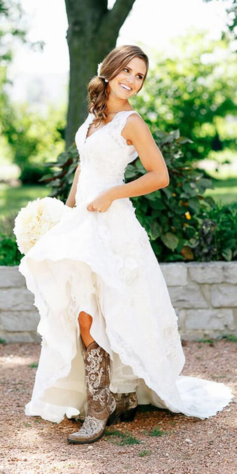 45 short country wedding dress perfect with cowboy boots for Wedding dresses for outdoor country wedding