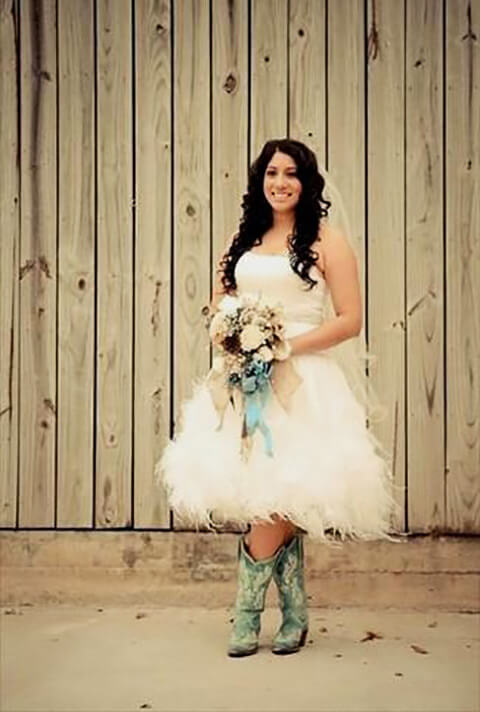 Stunning Short Wedding Dresses With Boots Ideas - Style and Ideas ...